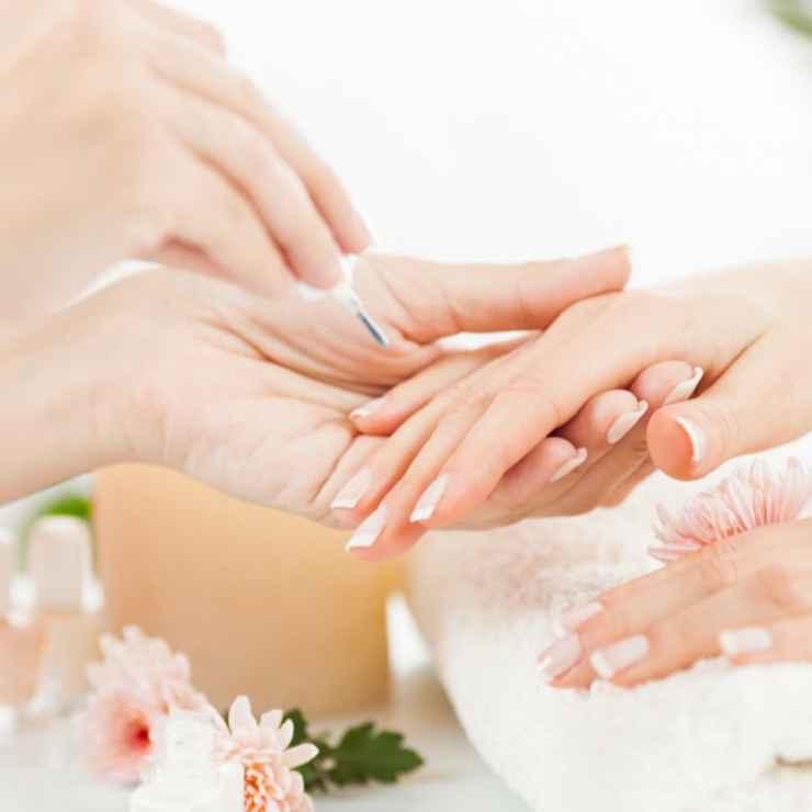 cnd-manicure.jpg